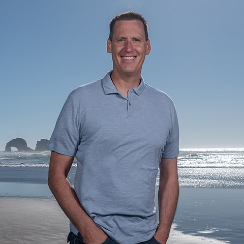 Dr. Jared Lothyan who is a Sumner pediatric dentist at Smile Surfers Kids' Dentistry