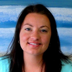 Jessica who is the Billing Specialist at Smile Surfers in Sumner